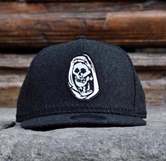 Streetwear New Era x Sacrifice - Black Room